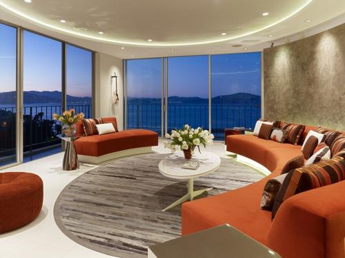 Design und Mode der 70er kleidung idee interieur orange sitzmöbel oval couchtisch