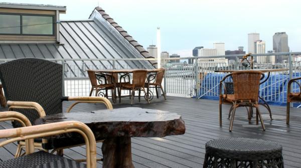 Eklektische Inneneinrichtung einer Loft Wohnung außenbereich dach sitzecke