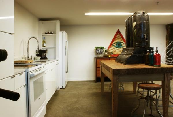 Eklektisches Interior Design in einer Loft Wohnung weiß einrichtung küche