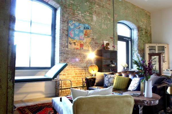 Eklektisches Interior Design in einer Loft Wohnung wohnzimmer ärztlich tisch