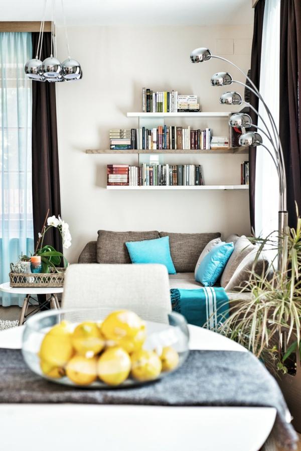 Extravagantes Apartment mit maßgefertigtem Interior Design offen regale sofa
