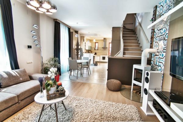 Apartment mit maßgefertigtem Interior Design teppich oval tisch