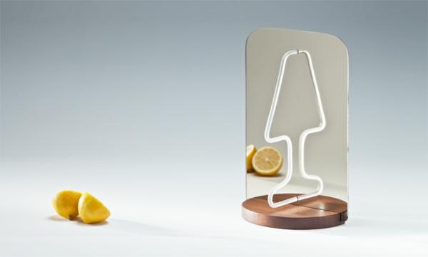 Geniales reflektierendes Tischlampe Design sockel holz zitronen