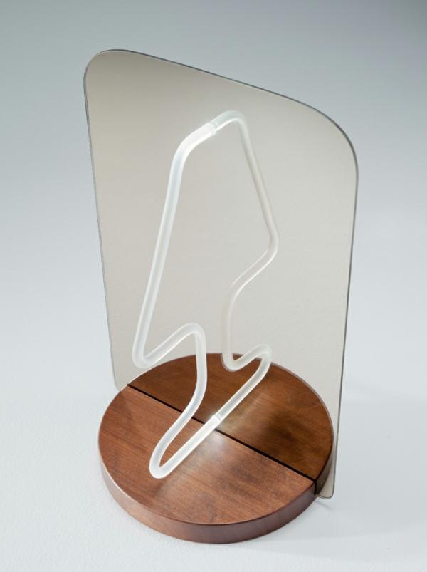 Geniales reflektierendes Tischlampe Design spiegel originell üblich form