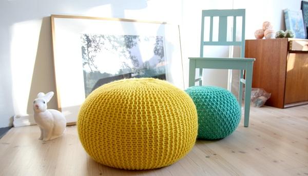 Gestrickte und gehäkelte Dekoration zum Selbermachen trendy farben sitzkissen