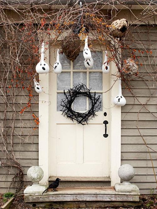 Gespenstige Dekoideen zu Halloween zum Selbermachen eingangstür deko
