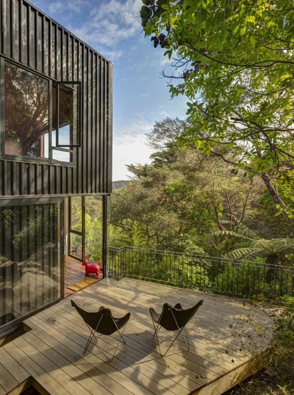 Herrliche Residenz mit differenzierten Wohnflächen terrasse stühle