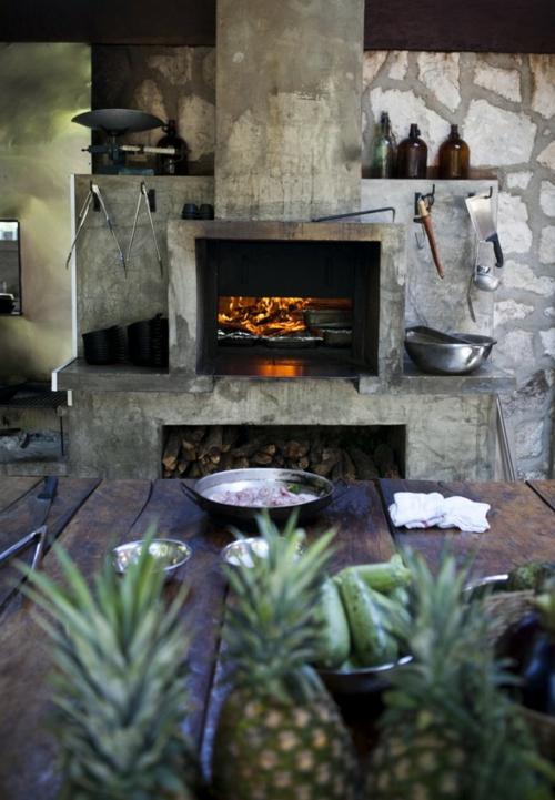 Küchen Design mit eingebautem Grill massive möbelstücke
