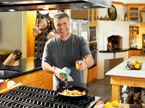 Küchen Design mit eingebautem Grill modern glanzvoll topf koch