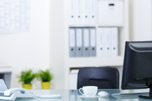 tischplatten Klassische und moderne Dekoelemente bei der Büroeinrichtung