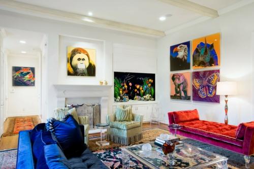 cooles bild wohnzimmer:Kunstvolles cooles Wohnzimmer einrichten sofa blau sitzkissen rund