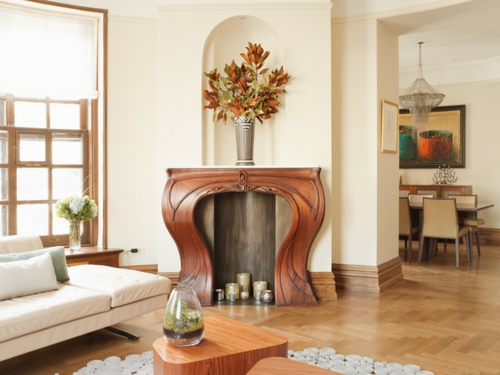 Ornamentale Kunst beim Interior Design geschniten holz blumen