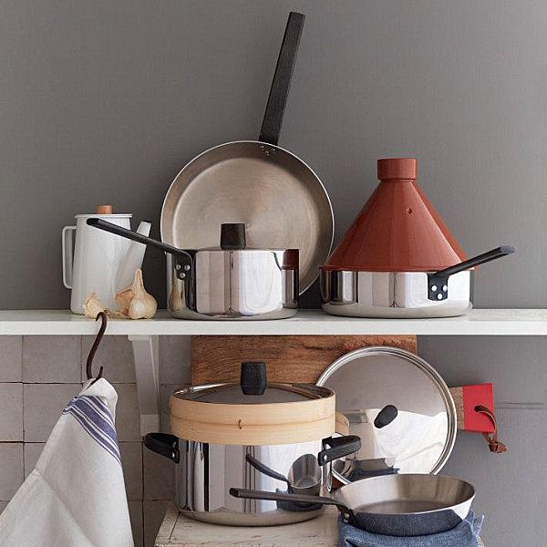 Küchenzubehör als Dekoration pfannen kochtöofe regale desplay