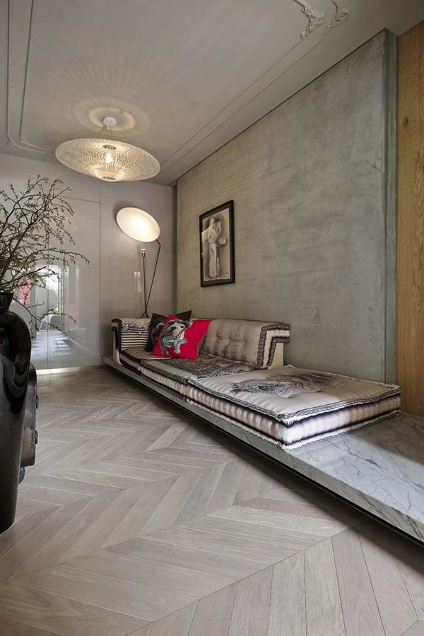 modernes Apartment mit großartiger Wohnfläche sofas bodenbelag holz