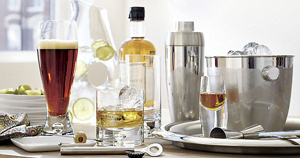 Schicke Hausbar Ideen für Ihr Zuhause alkohol ideen gläser display
