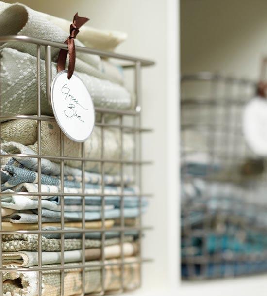 Schicke  Wohnzimmer Ideen metallisch geländer korb container