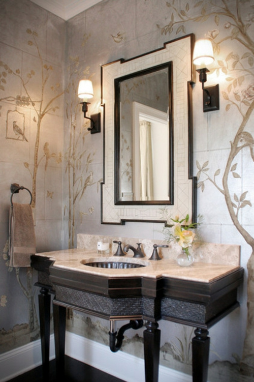 Wandgestaltung mit schönen Tapeten wandspiegel wandlampen waschbecken