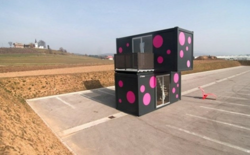 attraktiv design getupft rosarot schwarz kompakt container haus