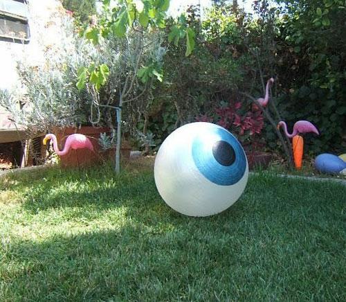 außenbereich deko halloween ideen selber machen DIY auge ball