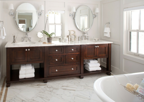 badezimmer design mit fliesen nussbaumholz schränke ovale wandspiegel