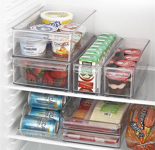 coole aufbewahrung ideen durchsichtige plastikbehälter im kühlschrank