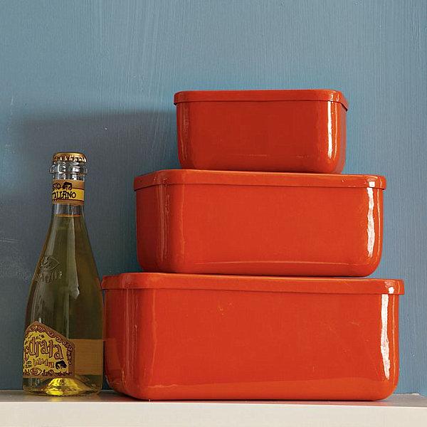 coole aufbewahrung ideen orangerote plastik behälter