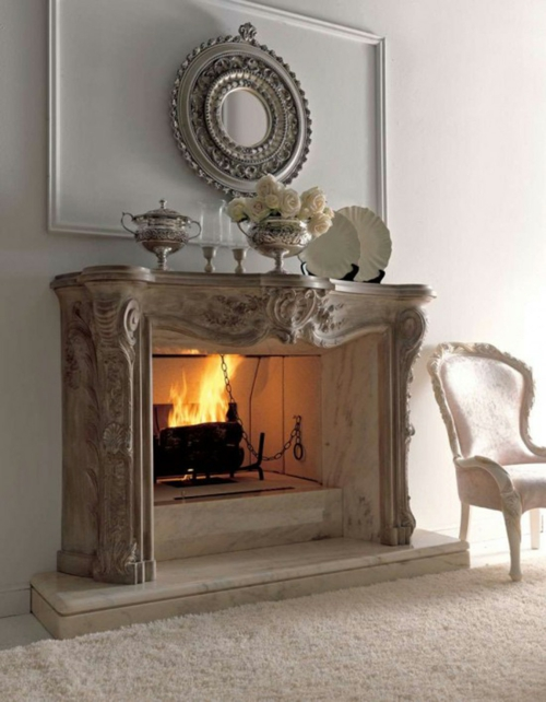coole deko ideen für kamine klassisch wandspiegel ornamente stuhl