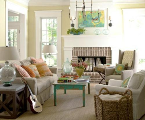 coole deko ideen für kamine sofas kissen gitarre rustikal tisch kronleuchter