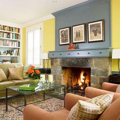 coole deko ideen für kamine stahl holz wandgestaltung sofas sessel