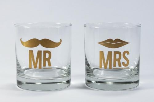 dekorativ zubehör gläser interessant gemustert getränke
