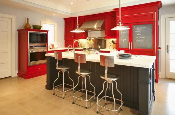 die farbgestaltung ihrer langweiligen küche kardinalrote fronten graue kücheninsel