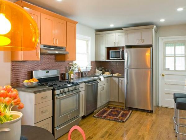 die farbgestaltung ihrer langweiligen küche orange und weiße schränke