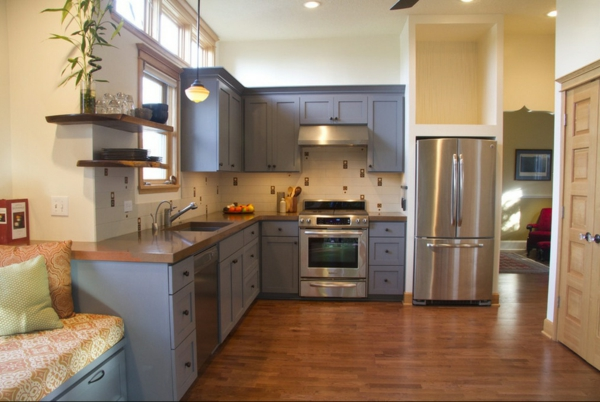 Charmant Die Farbgestaltung Ihrer Langweiligen Küche Taubenblaue Küchenschränke