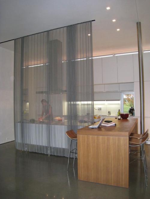ein flexibles küchen design sichtschutz aus durchsichtigen vorhängen