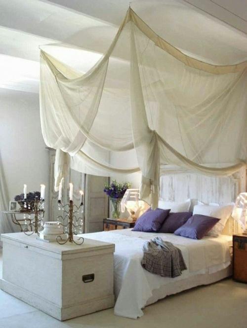 Himmelbett Aus Holz Selber Machen ~ erstaunliche weiße Himmelbett Designs luftig kissen lila natürlich
