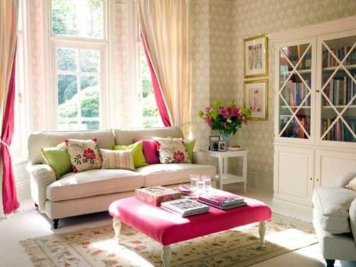 farbgestaltung mit schönen Mustern bunt farben rosa gepolstert tisch