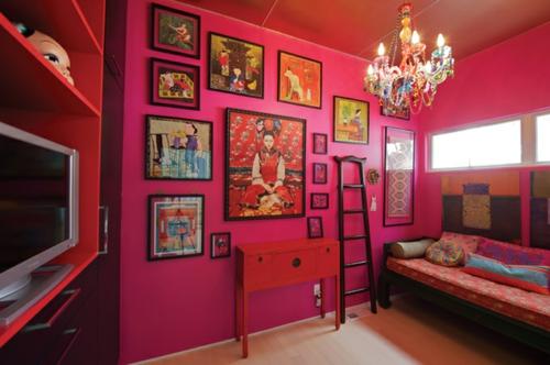 elegante farbgestaltung zu hause rosa gemälde wand kronleuchter orient