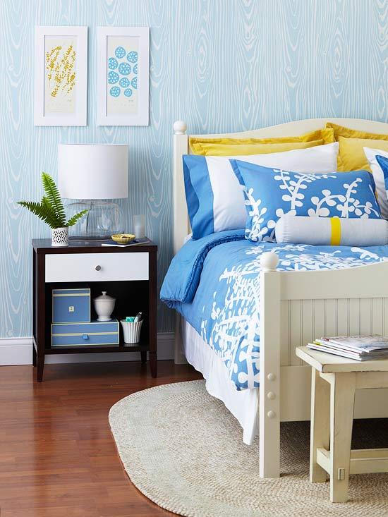 Tapete Holzoptik Rustikal : frisch und chic mit blau elegante Nachtkonsole aus Nussbaumholz mit