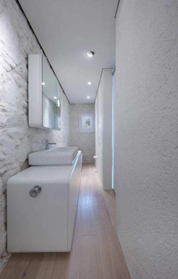 futuristische residenz ovale schränke und helles parkett