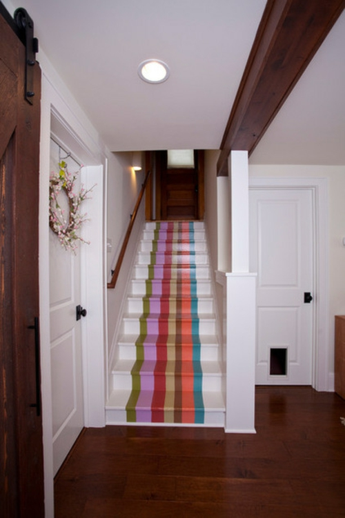 gefärbte treppenläufer bunte pastellfarbene streifen
