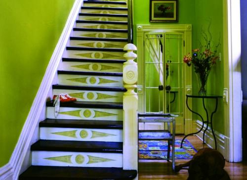 gefärbte treppenläufer minzgrüne wände