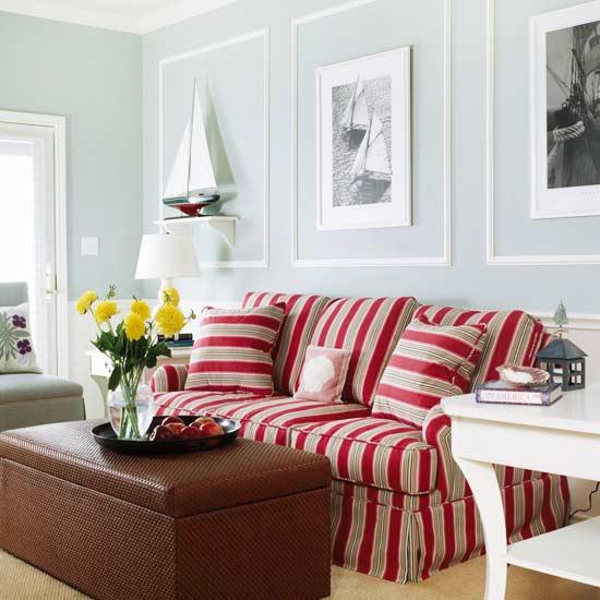 gewagte farbgestaltung für ihr wohnzimmer couchtisch aus dunklem rattan