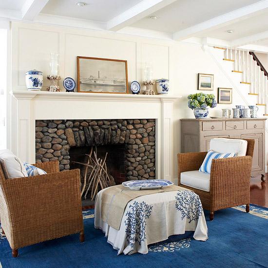 gewagte farbgestaltung für ihr wohnzimmer natursteine rattan und kobaltblau