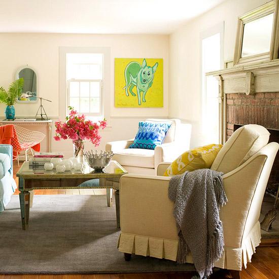 gewagte farbgestaltung im wohnzimmer ziegel verkleideter kamin