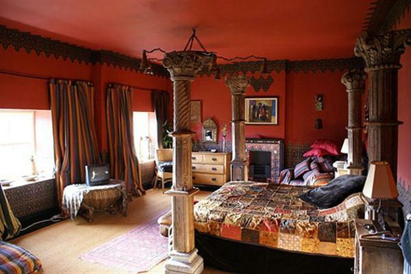 großartige marokkanische Interior Designs dunkel rot wand decke schlafzimmer