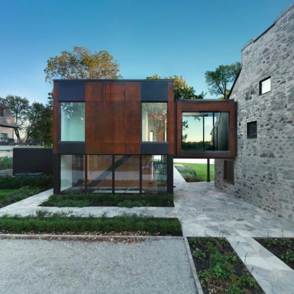 Historisches haus mit modernem ausbau in quebec for Haus aus metall