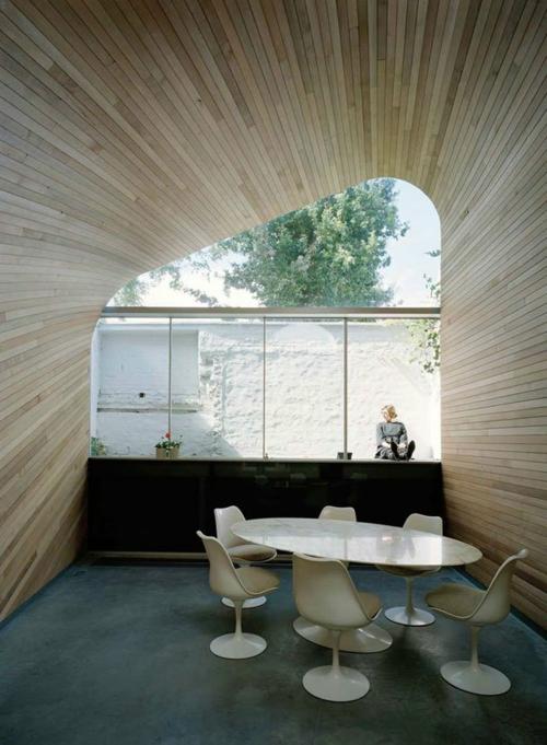 holzplatten decke wände esszimmer minimalistisch design