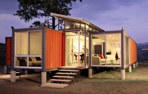 inspirierende Container Häuser metall schichten platten fenster treppe