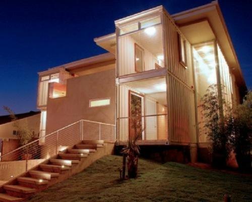 inspirierende Container Häuser metall schichten platten treppe beleuchtung