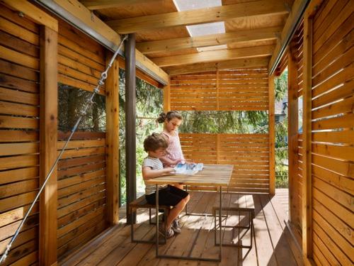 Kinder spielh user im hinterhof 12 coole kastelle f r ihre kleinen - Architektonische hauser ...